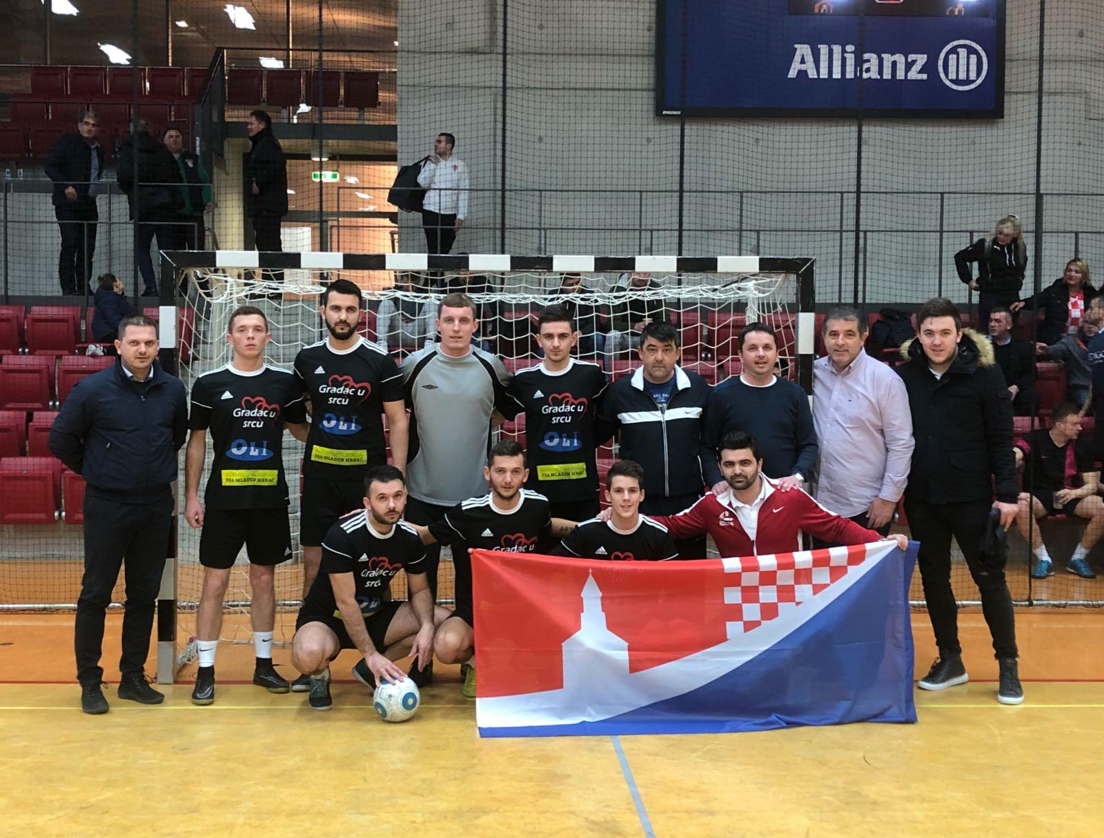 Momčad humanitarne udruge fra Mladen Hrkać na malonogometnom turniru Futsal Topas Z Cup u Stuttgart-u