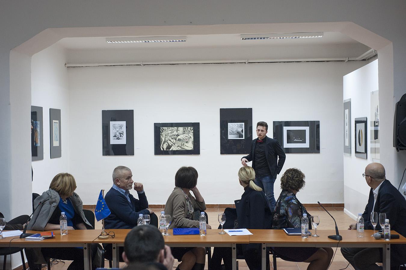 Izložba umjetničkih studentskih radova i panel diskusija o djeci i obrazovanju
