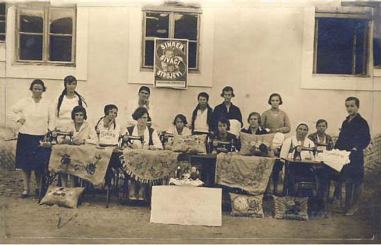 Stare fotke: Singer tečaj šivanja